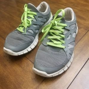 Nike FREE RUN 2 - Women's 9 running shoes gray